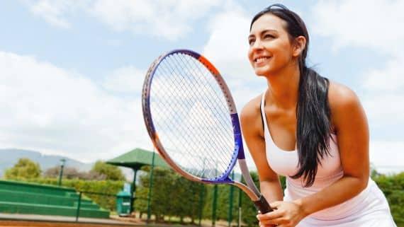Девушка теннис